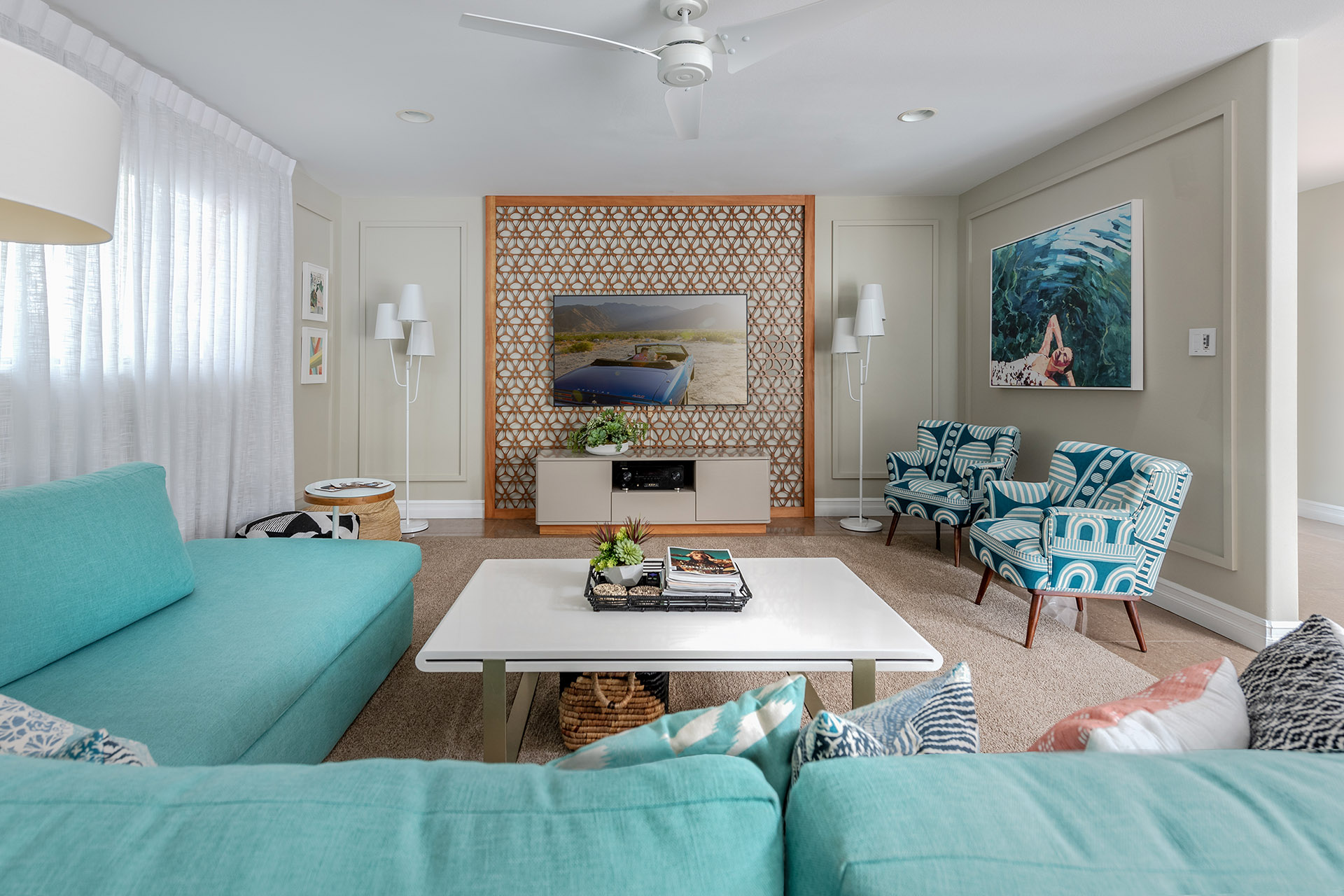 Palm-Springs-Vacation-Rental-Living-Room-TV